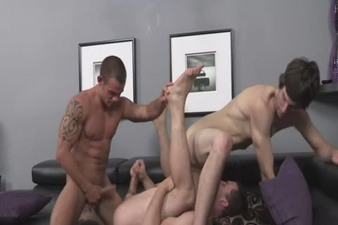 str8 chap raw slammed By two homosexual males