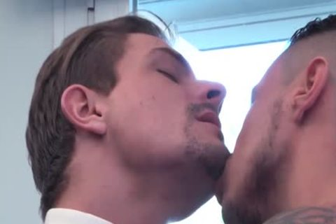 Muscle homo pooper stab With cumshot