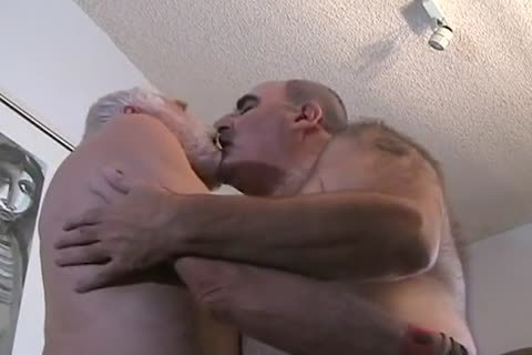 two daddy man getting off