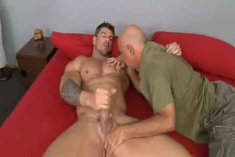 older dude bonks Muscle Hunk Zeb Atlas