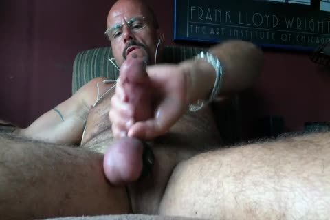 sleazy Pig stroking On Xtube Got Me Soooo Turned On!