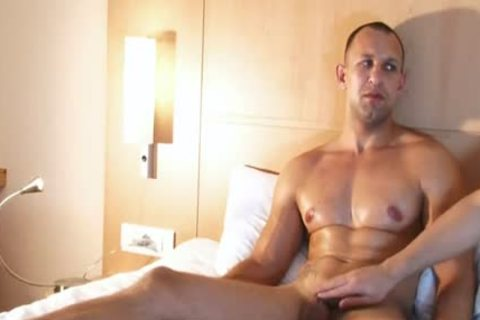 Full video scene: A worthwhile blameless straight boy Serviced His humongous dick By A boy