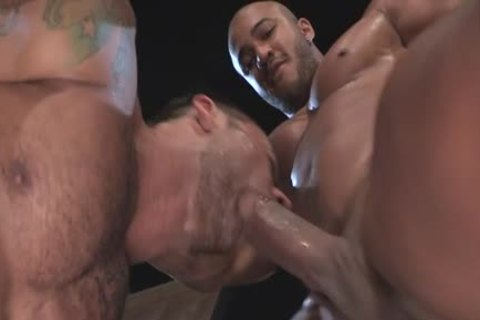 Muscle Bear butthole sex And Facial cum