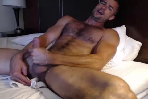 Dilf With Vibrating sex dildo On cam