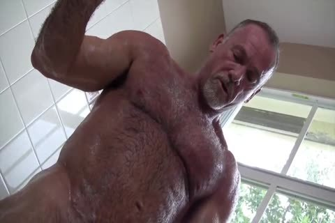 juicy Muscle Daddy Mikey Shower jack off