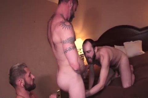 Derek Parker Eli Cummings & Felix Strike bare