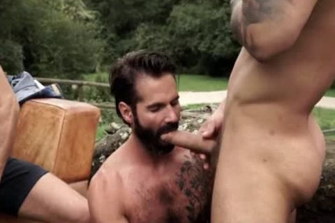 Uncut In The Great outdoors 4