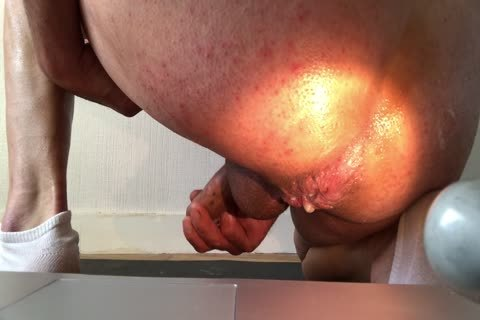 deep And Wide Insertion For A large Squirting agonorgasmos